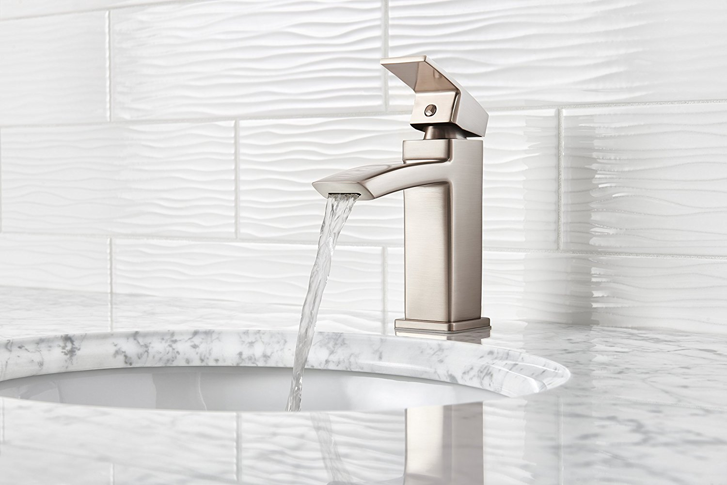 7 Faucet Finishes For Fabulous Bathrooms: Pfister LG42DF0K Kenzo Single Control Waterfall 4 Inch